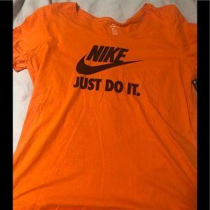 Nike Plus Size fluorescent shirt